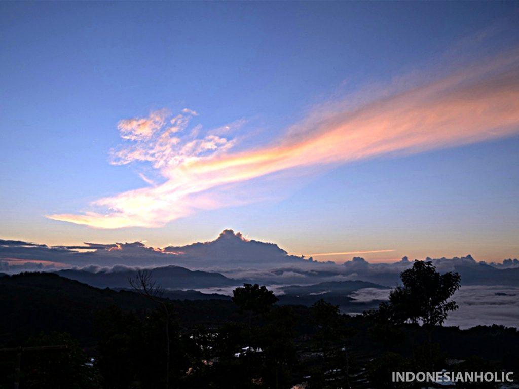 Matahari terbit di Batutumonga