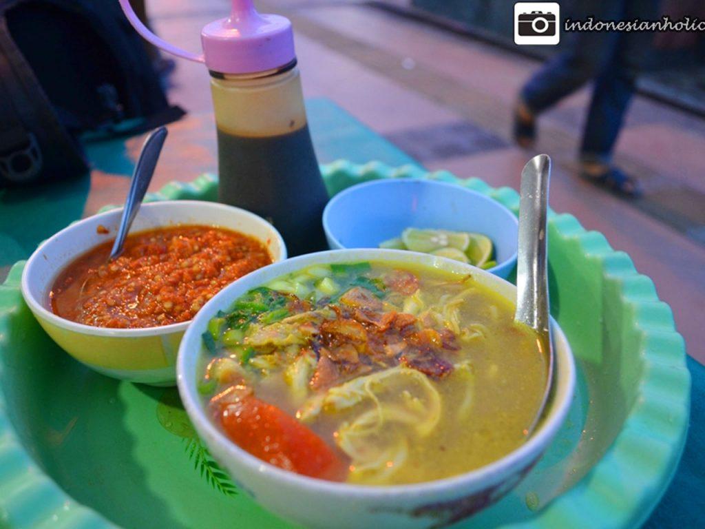 Kuliner Soto saat jalan-jalan di Semarang