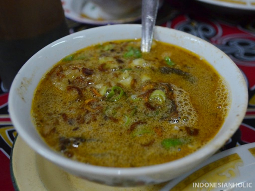 Sop Saudara kuliner khas Makassar